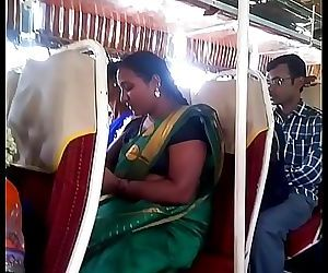 Aunty in bus.. blouse nipple visible... Watch carefully 1 44 sec