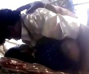 Indian Desi Village Bhabi Outdoor Porn Video 2 min