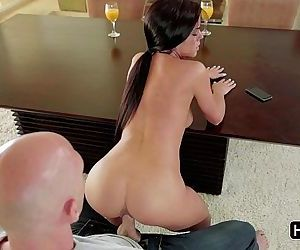 Rahyndee James needs rock hard cockHD