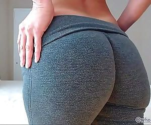 Mom With Big Ass On Live Webcam 22 min HD+