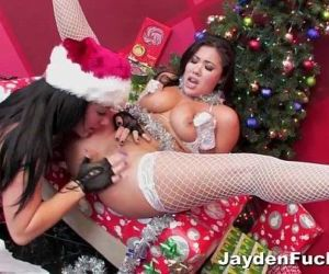 Xmas Fun With London and Jayden Jaymes - 15 min