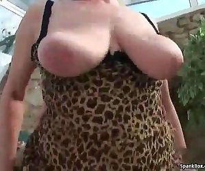 Busty blonde granny gets her pussy pounded - 6 min